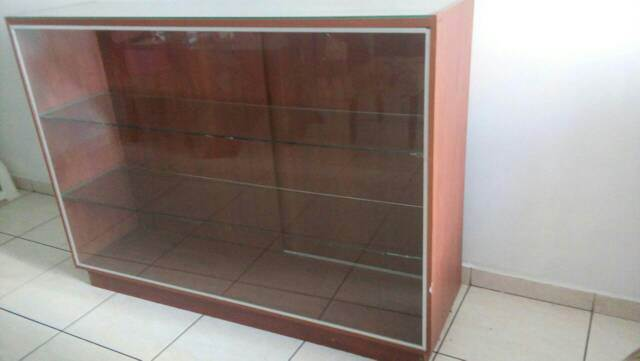 Vitrinas en vidrio y madera - Vitrinas de madera y vidrio ...